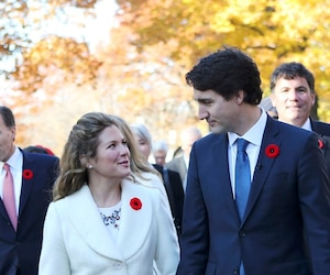Incoming Prime Minister Justin Trudeau and his wife Sophie Gregoire arrive with his cabinet before his swearing-in ceremony at Rideau Hall in Ottawa