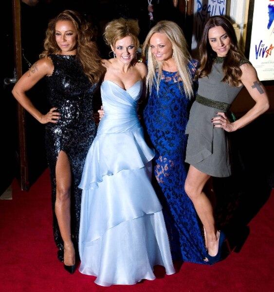 Après leur prestation à la cérémonie de clôture des Jeux olympiques, les membres des Spice Girls ont de nouveau été réunis à Londres pour la première de la comédie musicale Viva Forever.