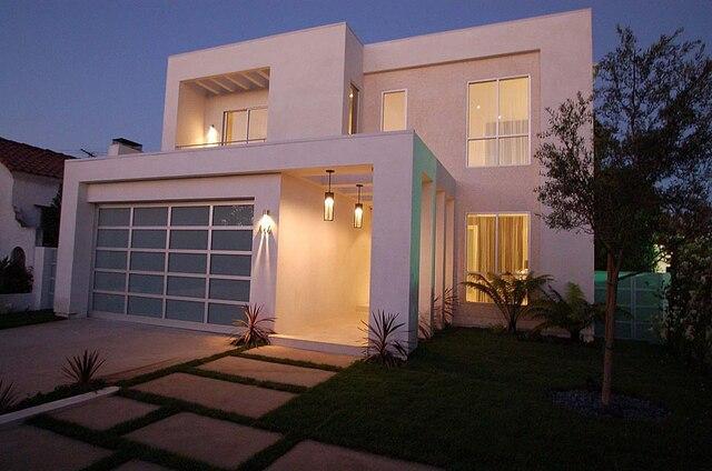 Les autorités américaines ont gelé le produit de la vente d'un intérêt dans un jet privé et une maison de 2,25 M$ US à Los Angeles appartenant à Babikian.