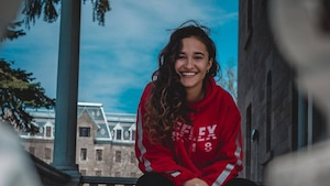Lili Defrancesco lance son premier vidéoclip