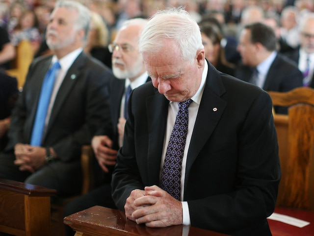 Le gouverneur général du Canada, David Johnston, lors de la messe commémorative à l'église Sainte-Agnès à Lac-Mégantic.