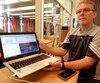 Paul Laurier, ex-policier à la SQ et aujourd'hui président fondateur du Groupe Vigiteck, lance le logiciel La Fouine, un moteur de recherche très puissant qui pourra aider les enquêteurs.