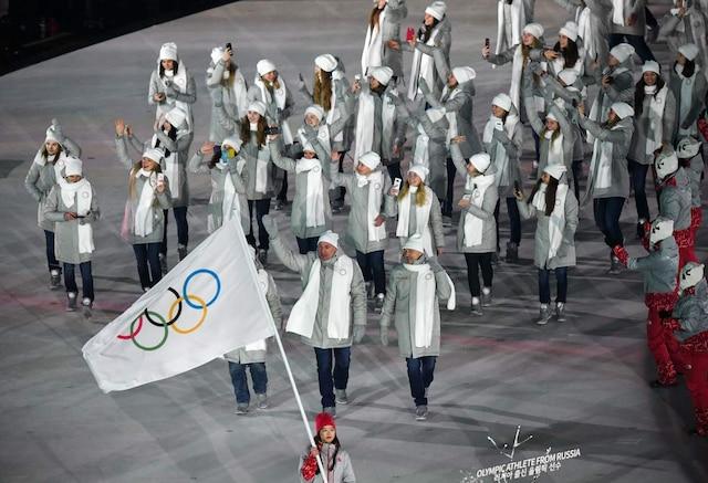Les athlètes russes ont défilé vêtus de gris sous bannière neutre lors de la cérémonie d'ouverture des Jeux d'hiver de Pyeongchang