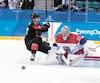 Mat Robinson et ses coéquipiers canadiens se sont inclinés devant Pavel Francouz et le reste de l'équipe tchèque.