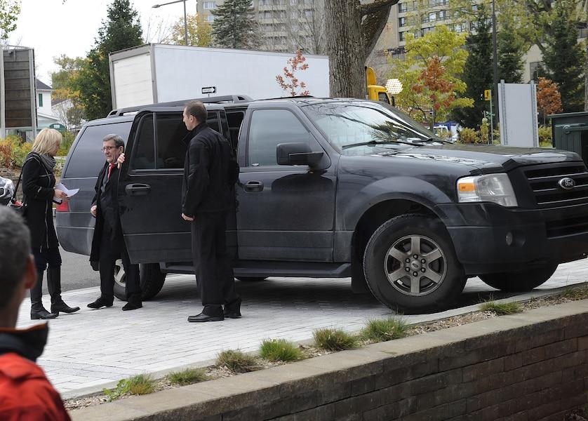nouvelle voiture pour le maire le journal de montr al. Black Bedroom Furniture Sets. Home Design Ideas