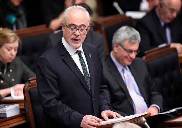 Le ministre des Finances Carlos Leitao lors de la présentation de son budget 2016-2017.