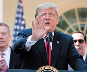 Donald Trump a dressé, lundi, devant la Maison-Blanche, une longue liste des avantages que comporte selon lui le nouvel Accord États-Unis-Mexique-Canada (AEUMC).