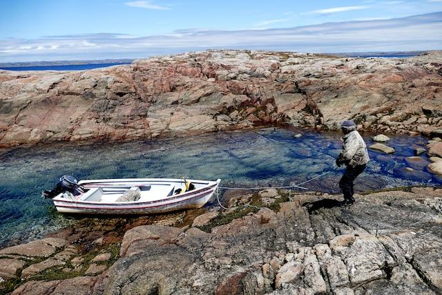 En Basse-Côte-Nord, dans la baie de Rivière-Saint-Paul, en compagnie de Garland Nadeau.