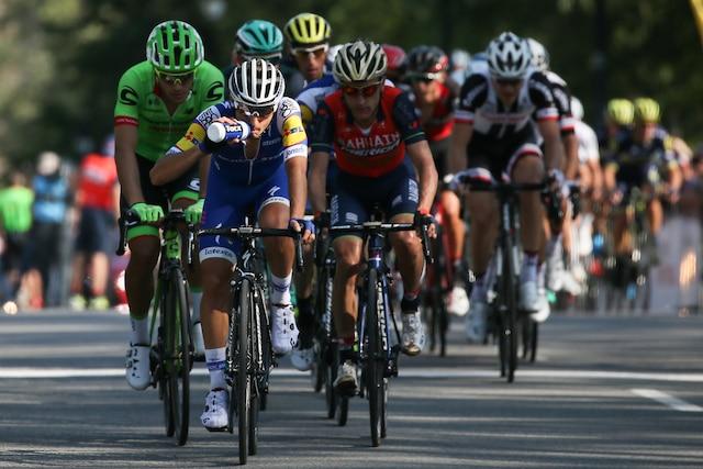 Le peloton du Grand Prix Cycliste de Montréal, sur avenue du Parc, dimanche le 10 septembre 2017. DARIO AYALA/AGENCE QMI