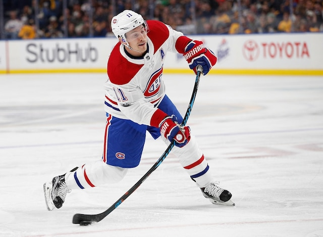 BUFFALO, NY - OCTOBER 5: Brendan Gallagher #11 of the Montreal Canadiens takes a shot against the Buffalo Sabres during the first period at the KeyBank Center on October 5, 2017 in Buffalo, New York.   Kevin Hoffman/Getty Images/AFP == FOR NEWSPAPERS, INTERNET, TELCOS & TELEVISION USE ONLY ==