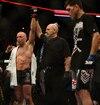 Le Québécois a conservé sa ceinture des mi-moyens face à Nick Diaz lors du UFC 158.