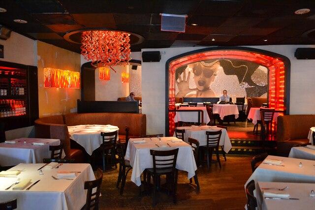 Le restaurant Serafina, dont la  décoration s'inspire de l'univers  de Fellini