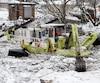 L'opération pour casser les glaces et faire une brèche dans la rivière Saint-Charles est en cours.