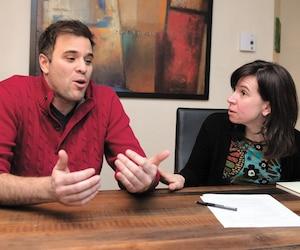 Denis Paquin et Josée Lalonde ont trouvé exigeant de devoir faire des listes et de prévoir au dollar près le contenu de leur panier d'épicerie.