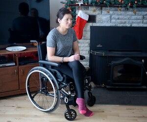 Sarah-Maude a rencontré Le Journal à sa résidence de Lac-Beauport, l'endroit même où son accident de motoneige lui a presque coûté la vie. Dans les prochaines semaines, une quinzième opération attend la jeune dame. Une opération qui, espère-t-elle, sera la dernière.