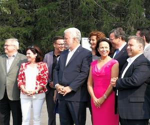 Le chef libéral Philippe Couillard souhaite confier le ministère de la Santé à Gertrude Bourdon, candidate du PLQ dans Jean-Lesage.