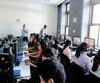 Des élèves du collège Jean-de-Brébeuf teste un mode du jeu «Assasin's Creed» permettant de découvrir l'Égypte antique.