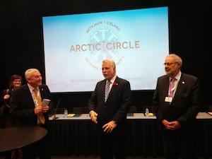 Le premier ministre, Philippe Couillard, participe à la conférence Arctic Circle à Reykjavik, en Islande.