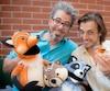Billy Walsh, directeur général de la SDC Wellington et le marionnettiste, Jérémie Desbiens, qui présentera le spectacle pour adultes Le Petit Pousseraie.