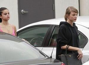 Image principale de l'article Taylor Swift et Selena Gomez sans maquillage
