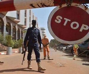 En novembre, Al Mourabitoune, dirigé par l'Algérien Mokhtar Belmokhtar, avait déjà revendiqué l'attaque meurtrière de l'hètel Radisson Blu dans la capitale malienne, Bamako, qui avait fait vingt morts.