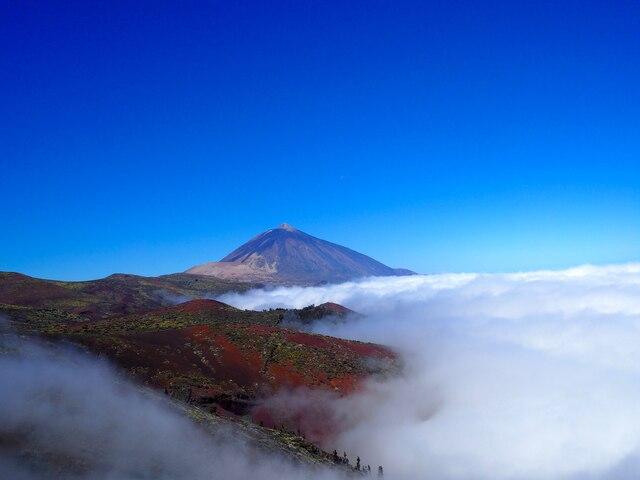Le Teide, point le plus haut d'Espagne, impressionne avec ses plus de 3000 m d'altitude. Où que vous soyez sur l'île, vous pouvez le voir. Ouvrez les yeux !