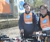 Calvin Castonguay-Goulet et son frère Andrew Castonguay-Goulet font partis des 20 enfants de centres de pédiatrie sociale du docteur Julien qui ont eu gratuitement un vélo.