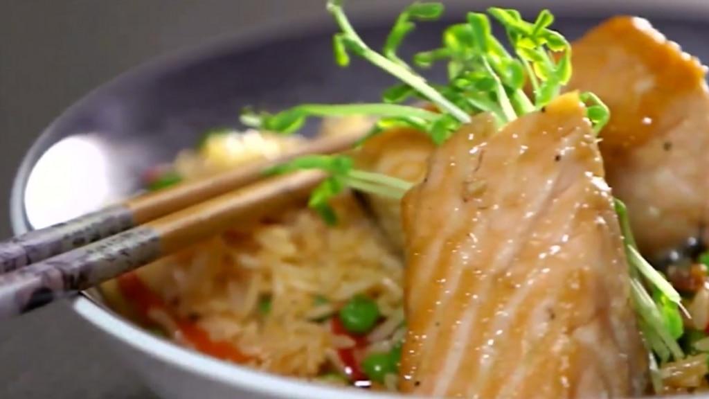Bonbons de saumon au sirop d'érable et riz sauté