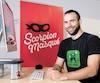 Christian Lemay, fondateur de la maison d'édition de jeux de société Scorpion Masqué, dans ses bureaux à Montréal.