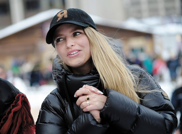 De passage à Québec pour les préauditions de Révolution, l'égérie de l'émission, Sarah-Jeanne Labrosse, est allée s'imprégner des activités du Carnaval. La comédienne s'est rendue au Camp à Jos.