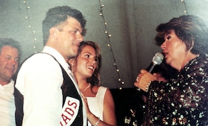 Le mariage de René Charlebois avait défrayé les manchettes en août 2000, Ginette Reno et Jean-Pierre Ferland ayant accepté d'y chanter.