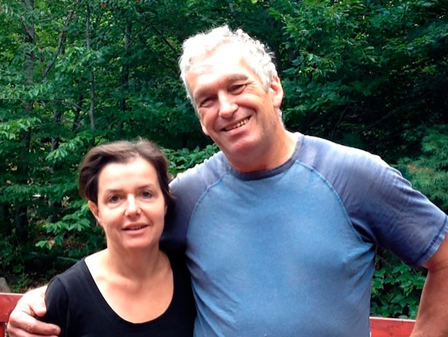 Fabienne et Frédéric Guitel, fiers propriétaires de la fromagerie La Suisse Normande.