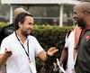 Sasha Ghavami discute avec le recruteur Andre Forde, des Buccaneers de Tampa Bay, à l'occasion du East West Shrine Game 2017.
