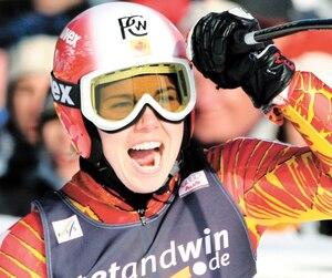 L'ancienne skieuse olympique Geneviève Simard n'avait que 12ans lorsqu'ont commencé les attouchements de son entraîneur. Sur la photo, elle célèbre une quatrième place d'un slalom géant lors d'une Coupe du monde en 2006, en Allemagne.