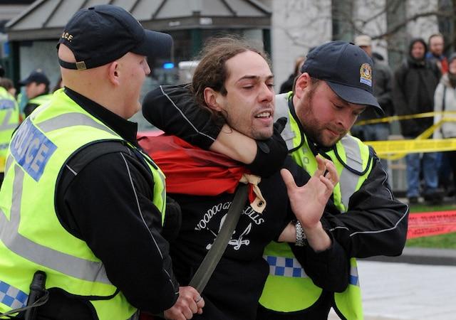 Manifestation nationale féministe de la CLASSE. Vendredi le 27 Avril 2012, dans les rues de Québec.SIMON CLARK/JOURNAL DE QUEBEC/AGENCE QMI