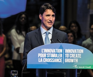 Le premier ministre Justin Trudeau a refusé de céder aux menaces de l'Arabie saoudite. Il a parlé pour la première fois de la querelle diplomatique qui oppose le Canada au royaume mercredi, à Montréal.