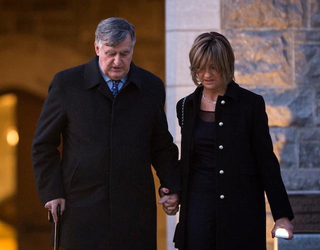 Lucien Bouchard lors du salon funéraire de Monsieur Jean Lapierre et de Madame Nicole Beaulieu au Complexe funéraire Mont-Royal, à Montréal, vendredi 15 avril 2016. JOEL LEMAY/AGENCE QMI