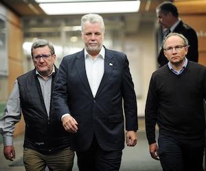 Régis Labeaume a participé à un point de presse commun avec le premier ministre Philippe Couillard et le ministre de la Sécurité publique, Martin Coiteux.