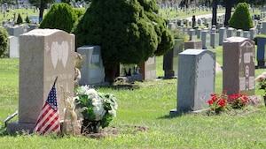 La pierre tombale de la jeune Megan est régulièrement visitée, au cimetière St-Mary's, à Trenton, au New Jersey.
