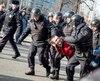 Dans la seule capitale, la police elle-même a décompté au moins 7.000 personnes, sur l'une des principales artères débouchant sur le Kremlin, ce qui en fait l'une des manifestations non autorisées les plus massives organisées ces dernières années.