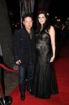 Éric Lapointe et Mélanie Chouinard, heureux, sur le tapis rouge du gala de l'Adisq l'automne dernier. Elle attendait alors l'arrivée du petit Édouard.