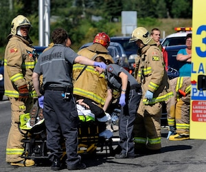 Le but du projet RENIR était de doter le Québec d'un réseau fiable de communication sans fil accessible à l'ensemble des organisations de sécurité publique et civile, notamment les policiers, les ambulanciers et les pompiers.
