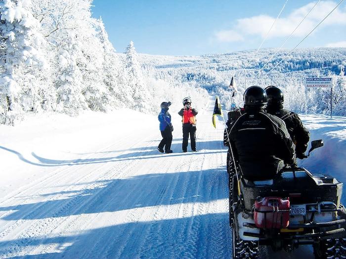 En hiver, les sentiers de quad vont vous amener à découvrir des décors magnifiques.