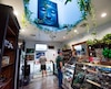 Pour réduire le marché noir, la Société québécoise de cannabis devra offrir du pot de qualité et de la variété aux consommateurs. Parions, que les boutiques du gouvernement seront plus sobres que le dispensaire Higher Path en Californie où le cannabis récréatif a été légalisé en janvier dernier.