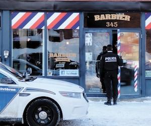 Le salon de barbier Jack McGurn Barbier & Club social, géré par Chad Blanchette-Linteau et situé à Trois-Rivières, a été visé par une perquisition jeudi.