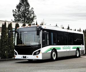 Les autobus Vicinity ont été conçus par la firme Grande West de Colombie-Britannique qui les fait assembler à Xiamen, en Chine. Des sociétés de transport de Ville de Saguenay, de Lévis ainsi que de Trois-Rivières en ont récemment fait l'acquisition.