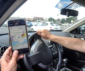Les trois quarts des Montréalais croient que Québec devrait légaliser les services d'Uber, qui permet aux automobilistes d'offrir des courses payantes comme un taxi.