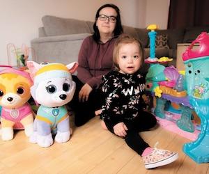 Âgée de 20 mois, la petite Charlye Bazinet-Hébert a passé presque toute sa vie sur des traitements antibiotiques pour des otites et des pneumonies. Une situation qui commence à inquiéter sa mère Carol-Ann Bazinet.