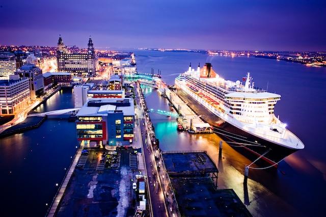 Le Queen Mary 2 a recréé la toute première traversée de l'Atlantique de la ligne Cunard, partant de Liverpool le 4 juillet pour finir son périple à New York.