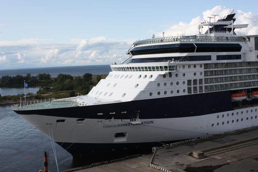 Current position of Celebrity Constellation (9HJB9) Cruise ...